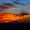 夕焼け雲と富士山..