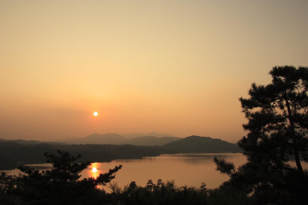満濃池の夕日2