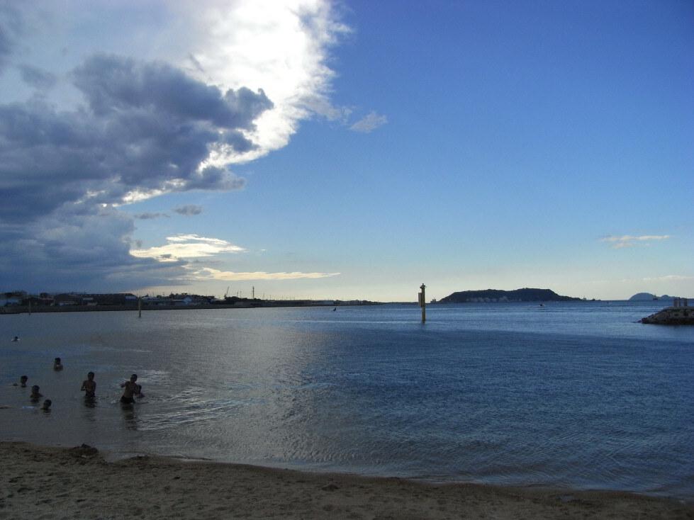 夕方海水浴