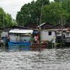 舟のある集落