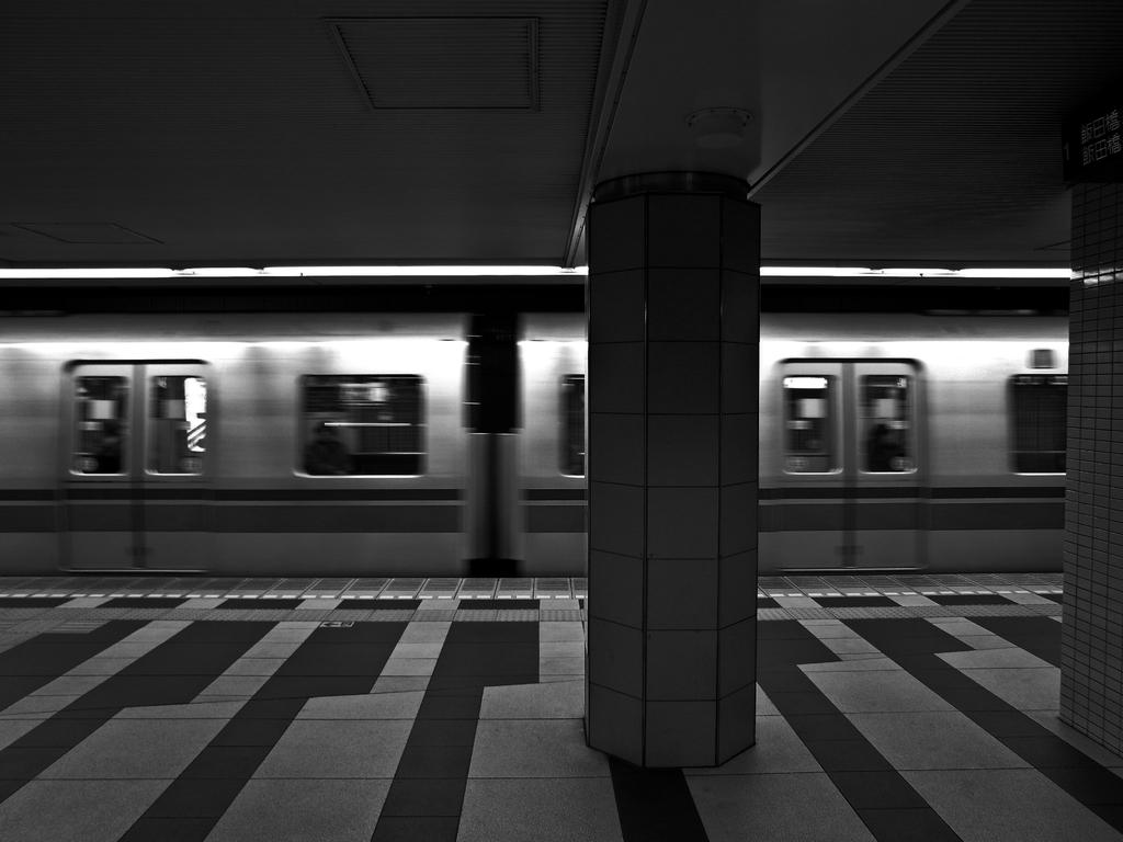 向かいの電車