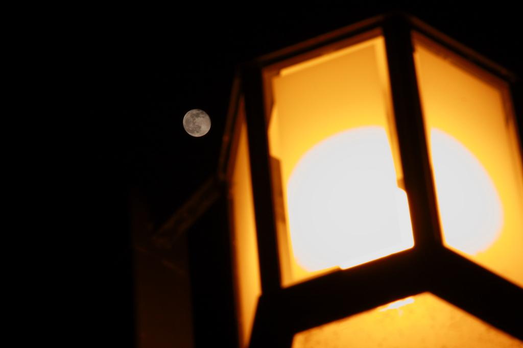 ふたつの月