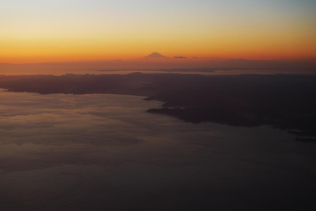 房総上空から富士山