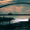 干潟に架かる橋