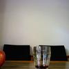 林檎と飲みかけたコーヒー
