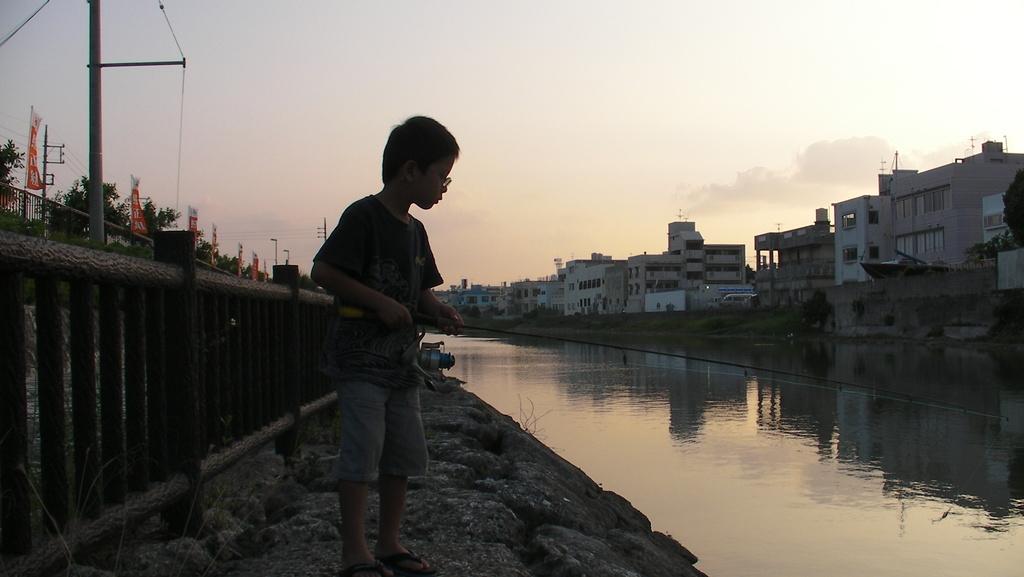 暮れいく運河