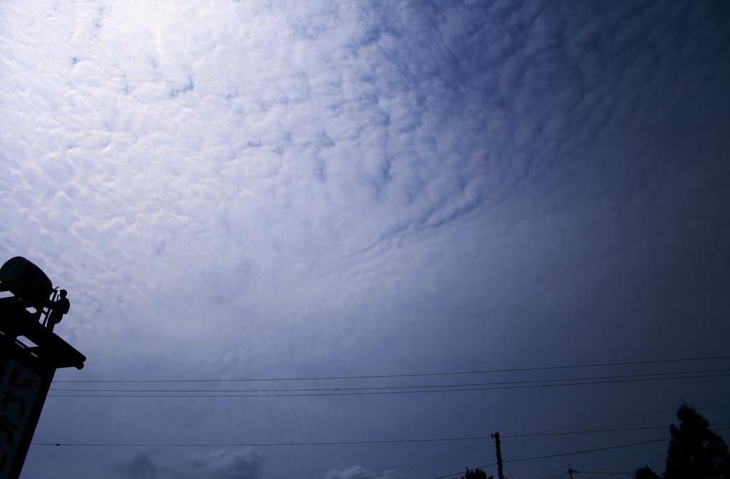 鱗雲と悲しい太鼓叩き