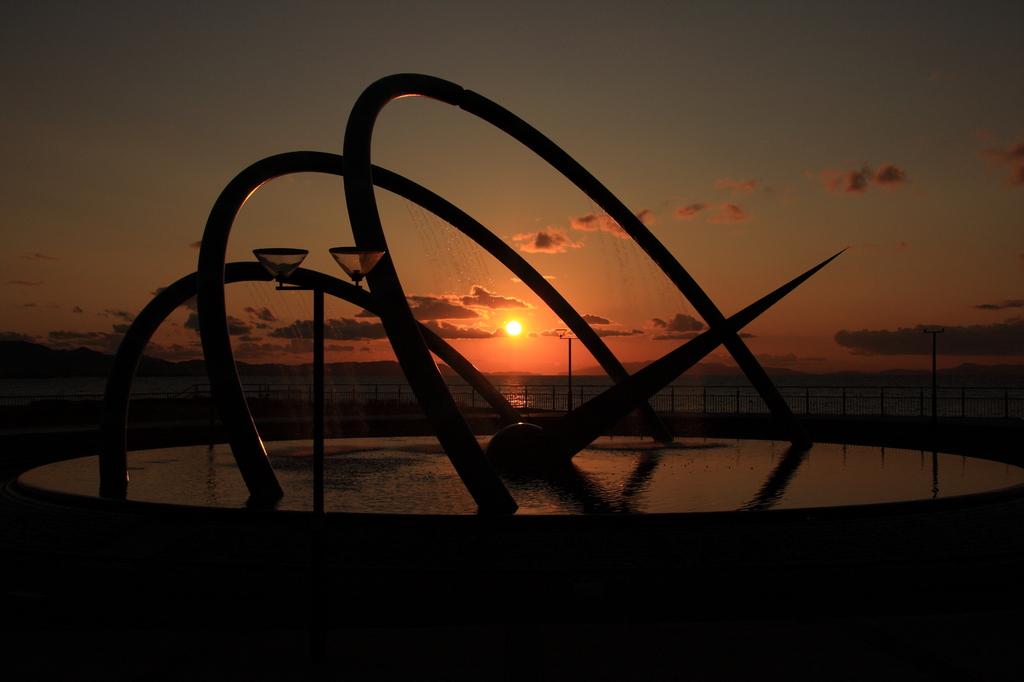夕日とオブジェ