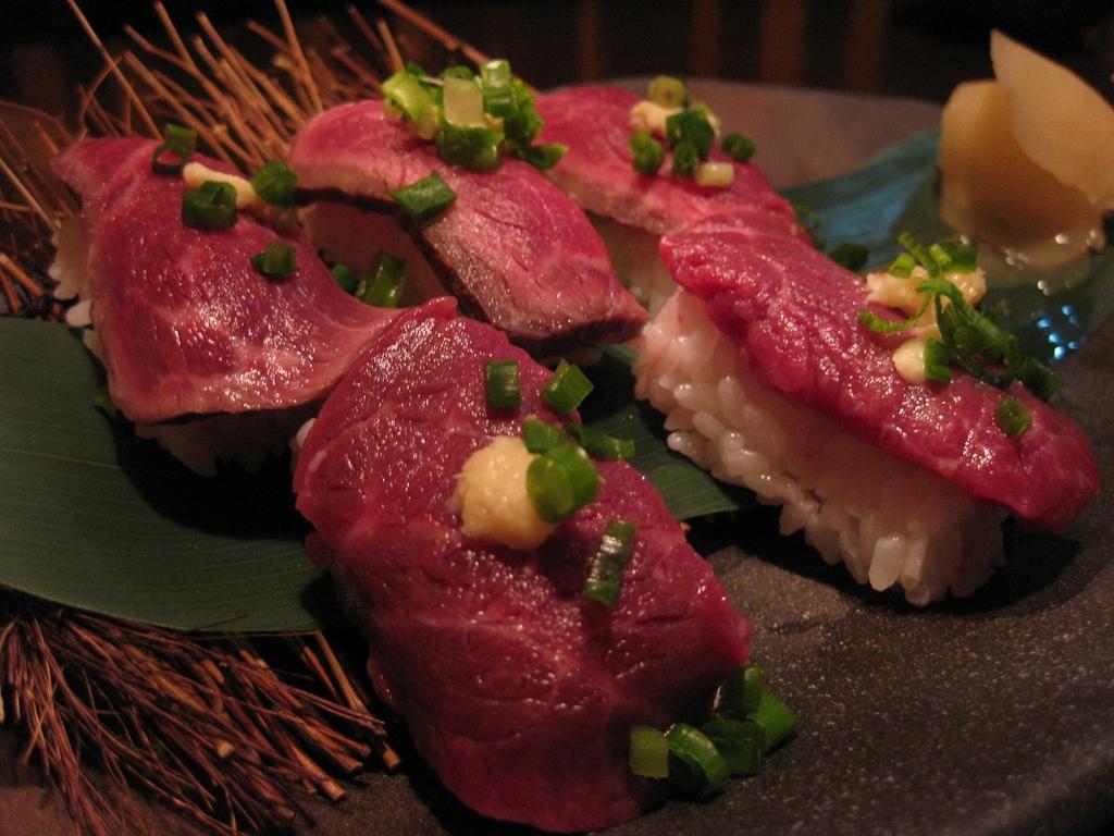 牛馬の二色寿司