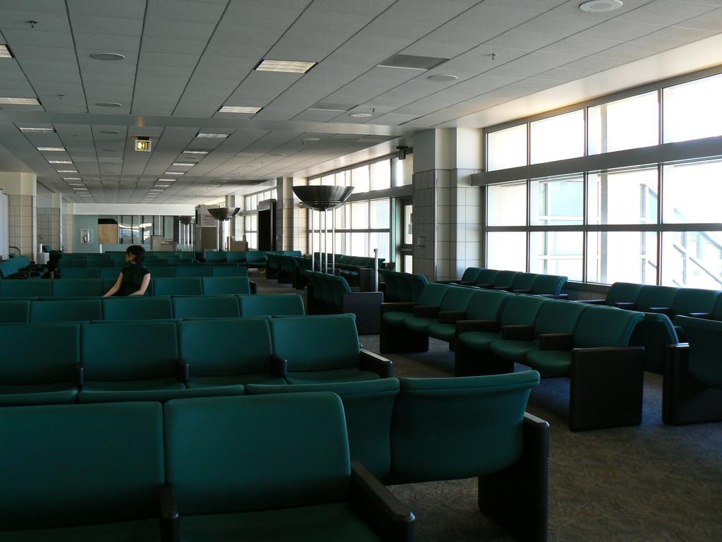 ここは空港