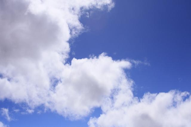 梅雨の谷間で夏色の青空2