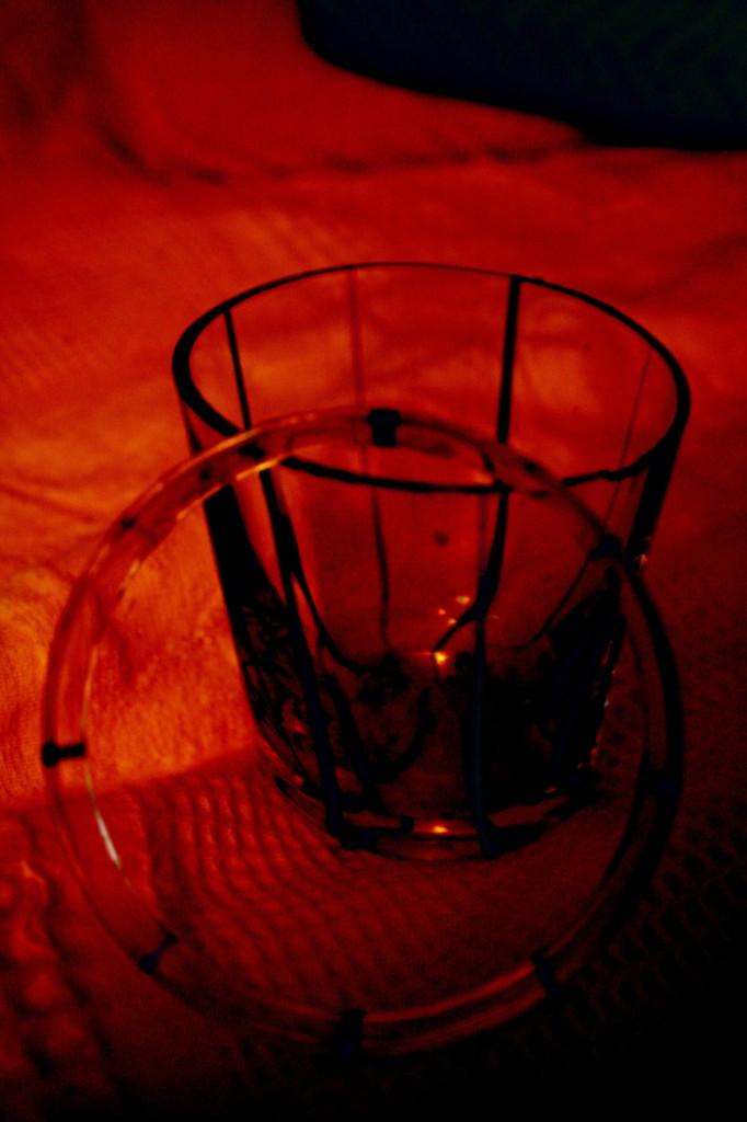 赤いグラス