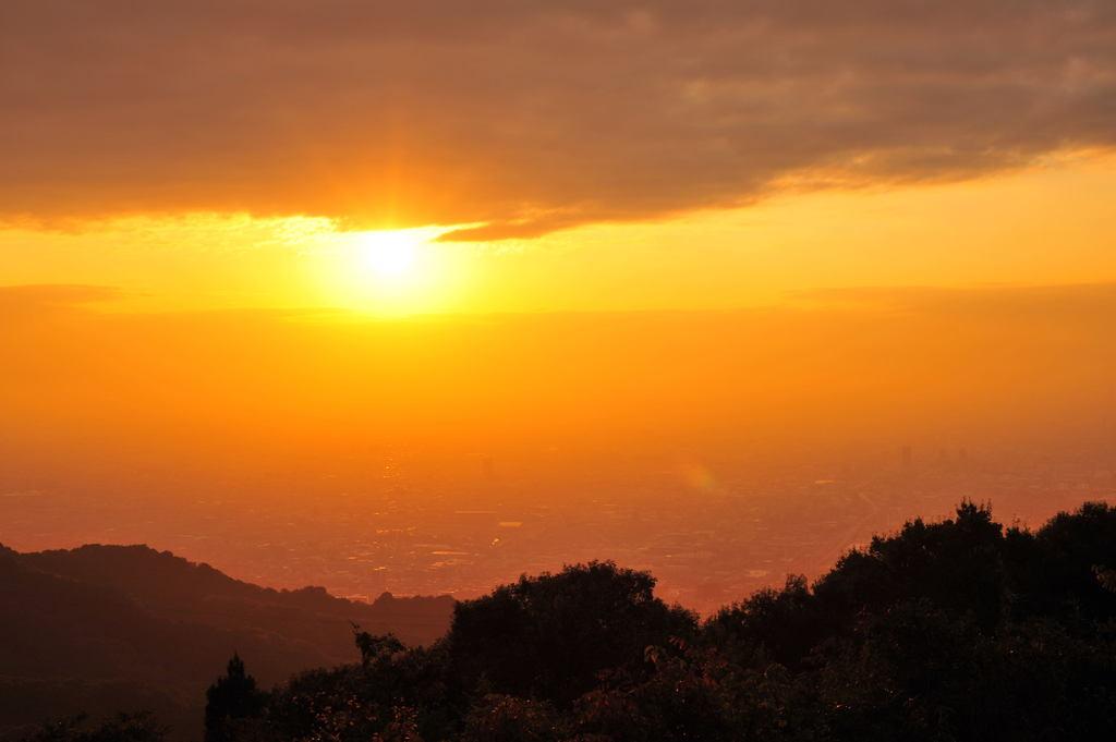 生駒山から望む夕景