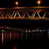 高速下の夜景
