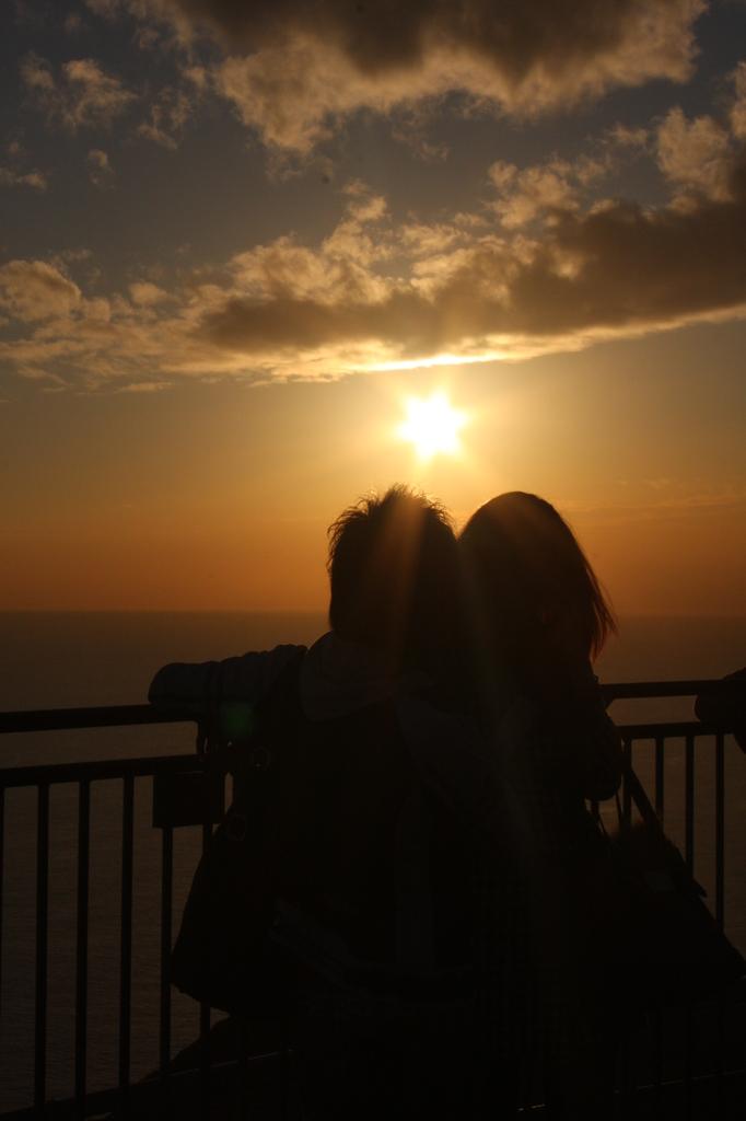夕日に愛を誓う