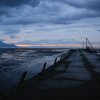 日没の迫る漁港