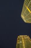 星までは届かぬ超高層ビル