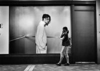 LEICA M Monochromで撮影した(The man who gazes at the woman)の写真(画像)