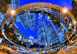 街中の異次元 ・ 鏡面一枚の異世界
