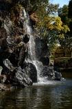 小さな滝と虹ー1