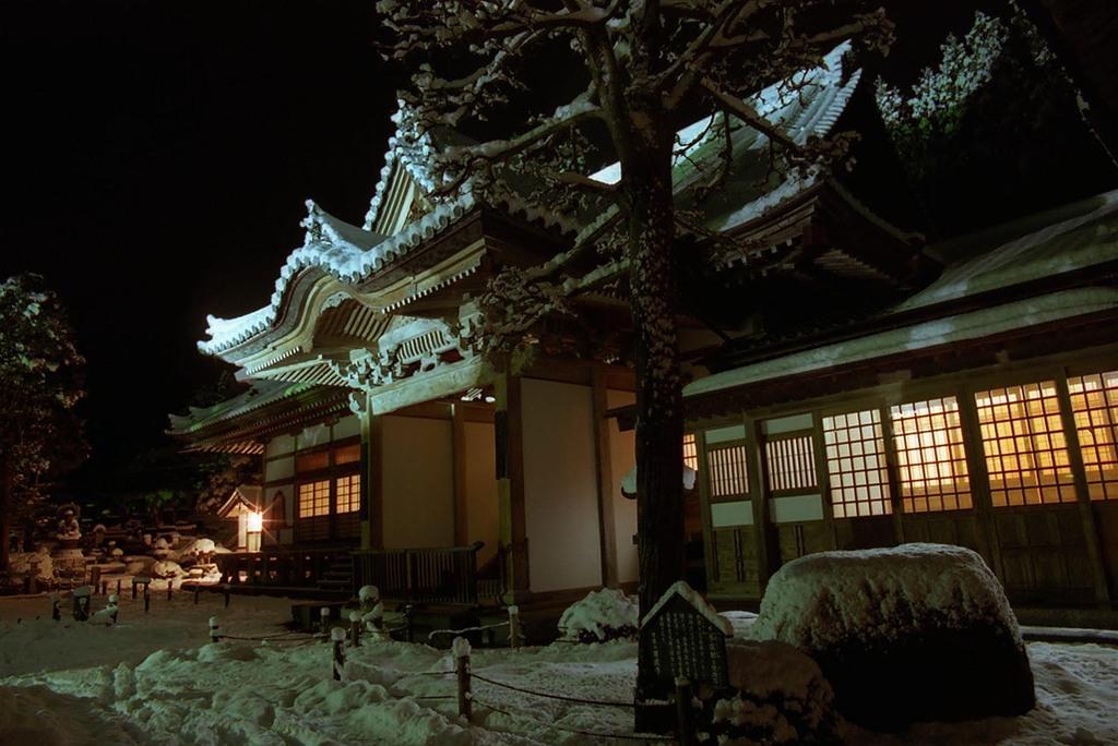 雪の大晦日・大玄関
