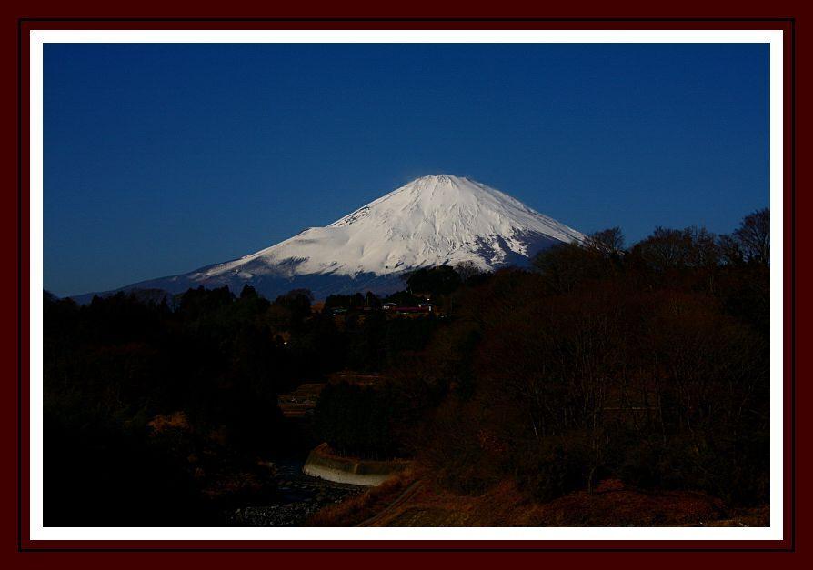富士と暮らす町