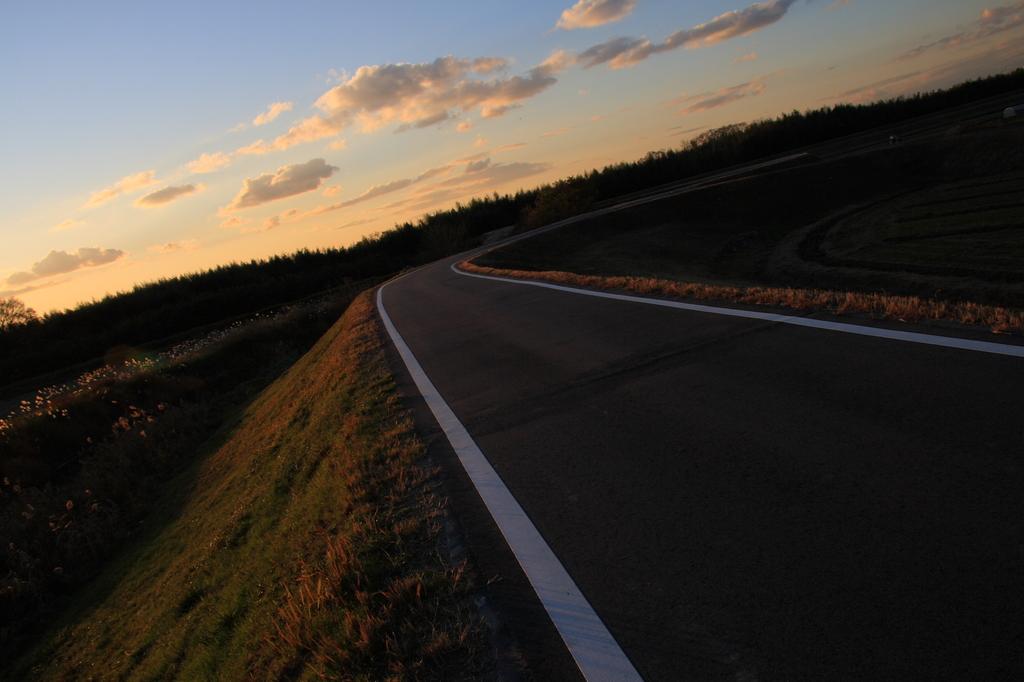 日暮れ、道程