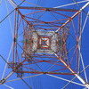 高圧鉄塔の真下から