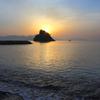 朝日をあびる花寿波島