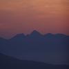 朝もやにけむる洞雲山