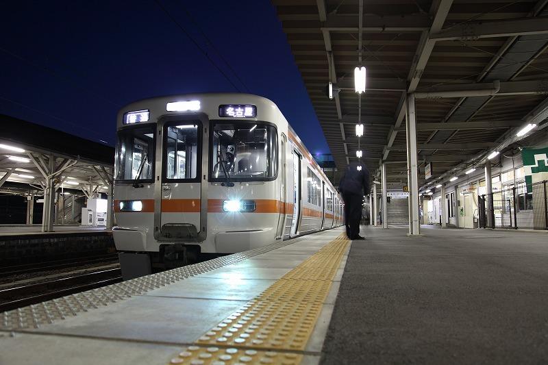 関西線亀山駅