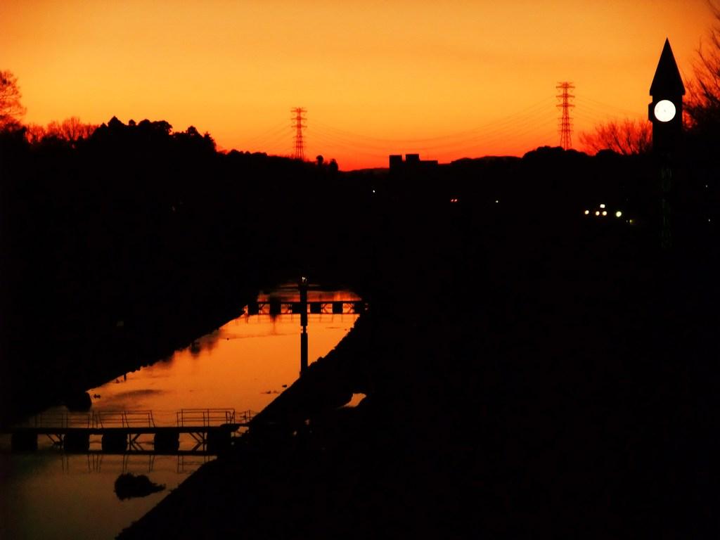 運河の夕日