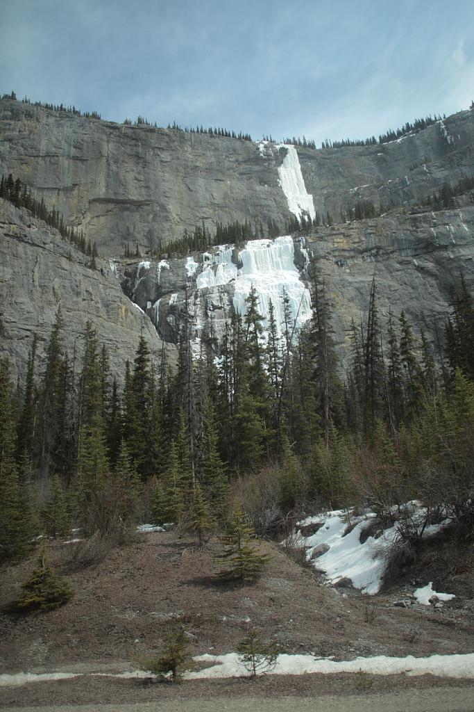 すすり泣きの滝