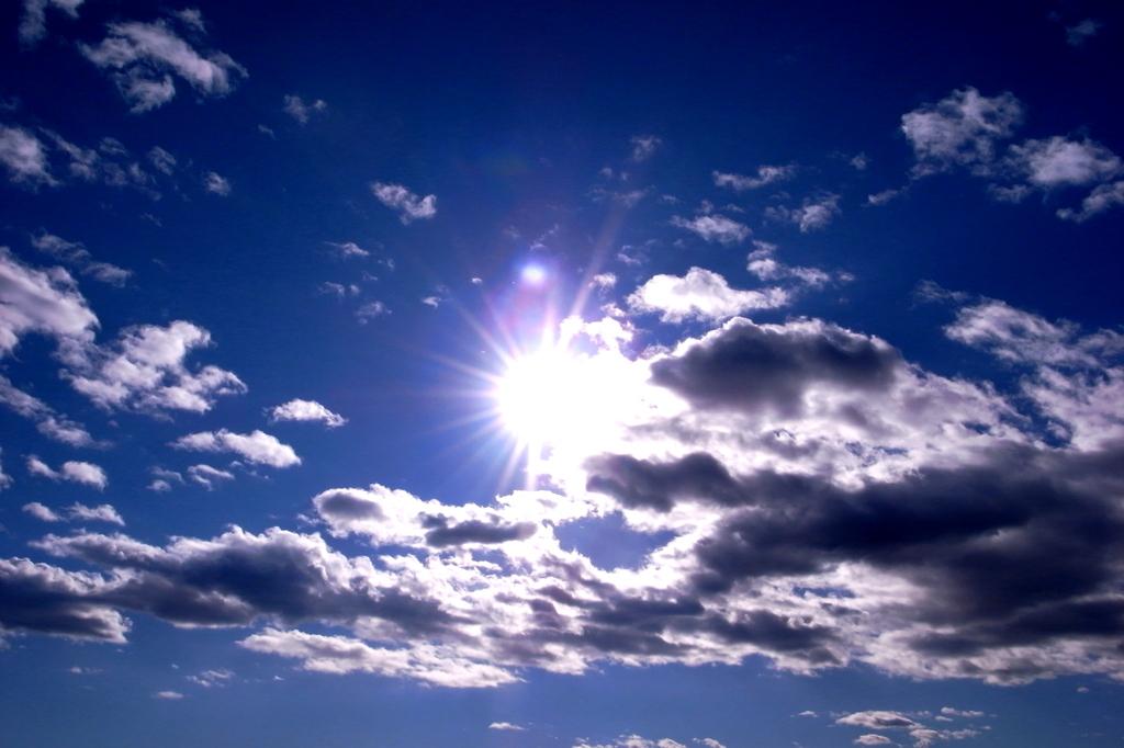陽射しのカクレンボ