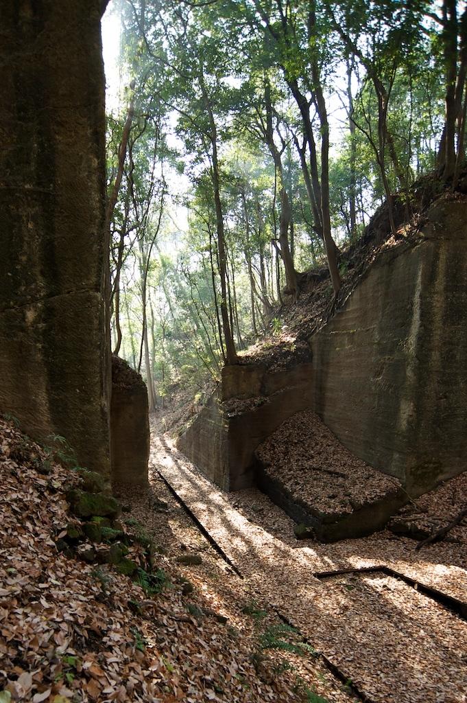 石切り場への道