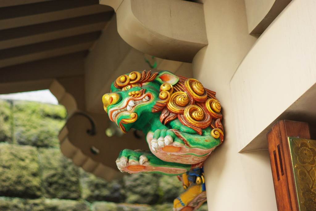 湯島天神の木鼻(獅子)