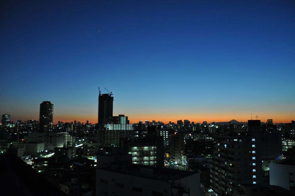 晴れた日の夕暮れ