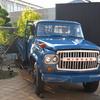 ボンネットトラック