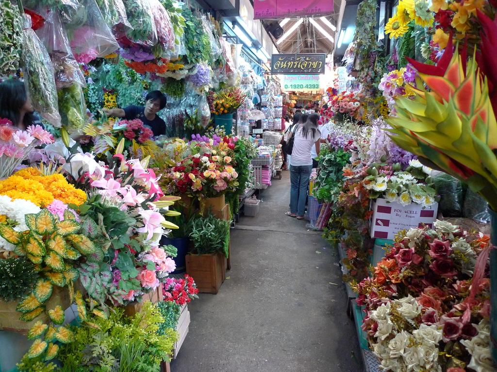 市場の造花販売エリア