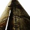 そびえ立つ古煙突