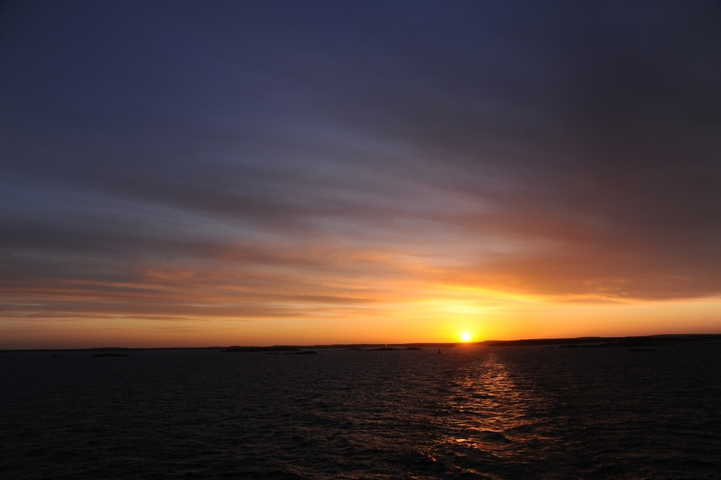 バルト海に昇る
