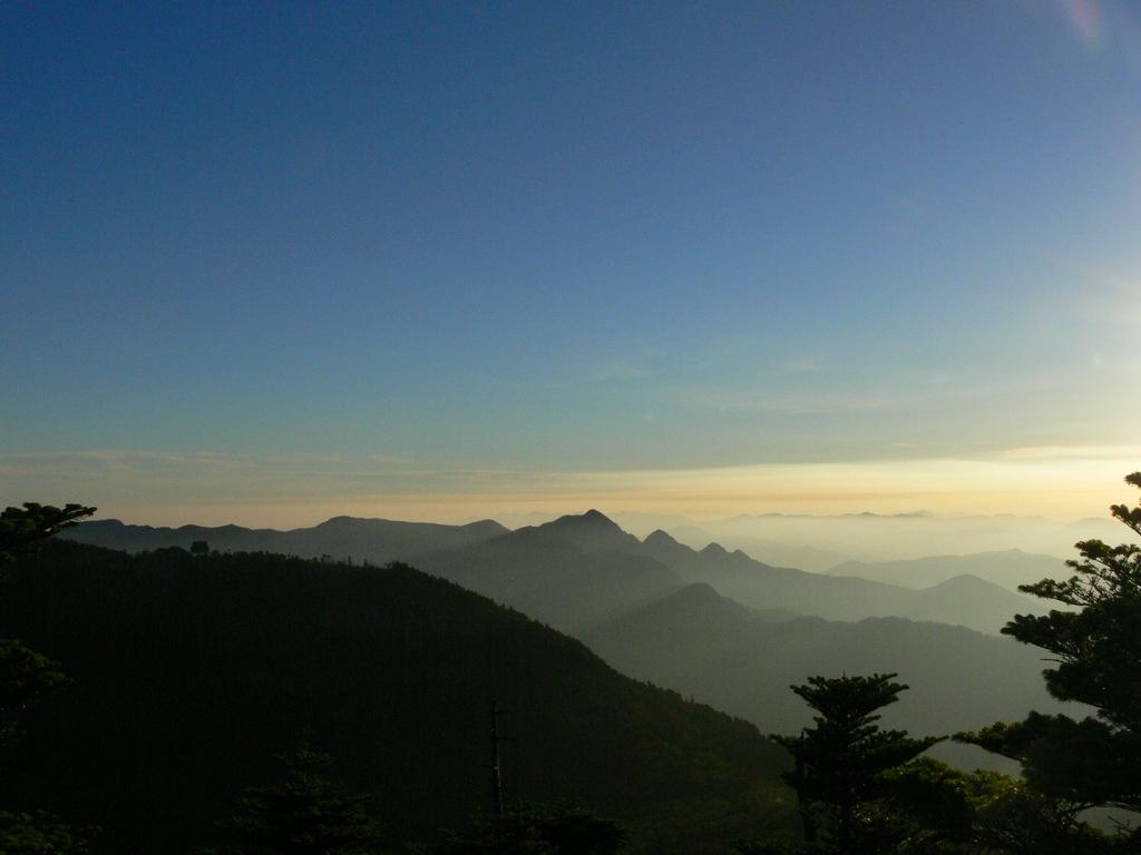奥駆道・弥山の夜明け