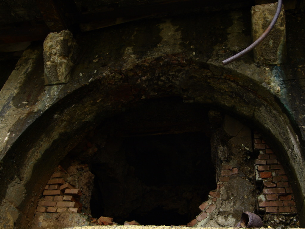 煉瓦の割れ目