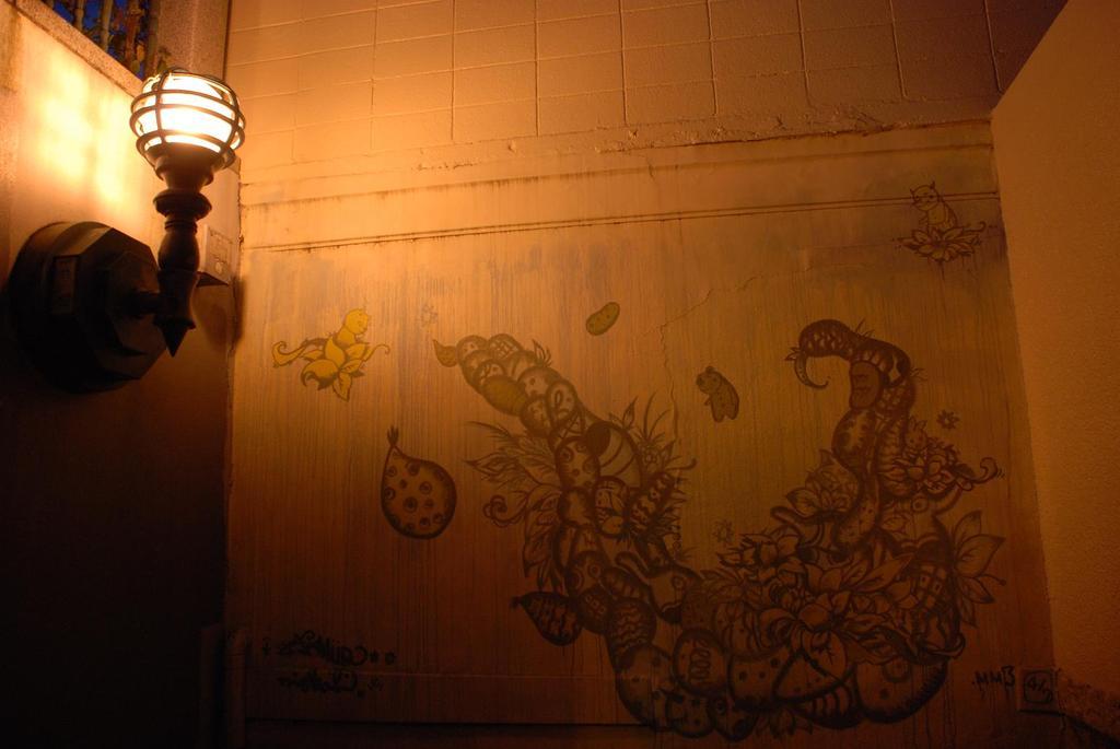 階段途中のアート