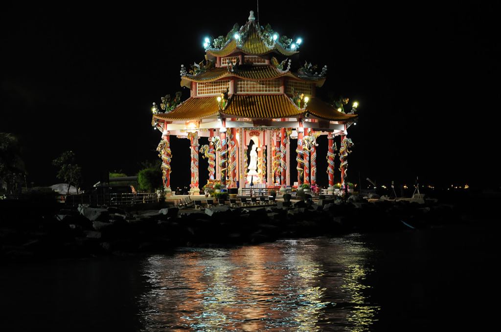 寺院のある島