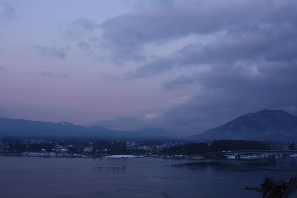 河口湖の朝焼け