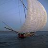 月夜の帆引き船