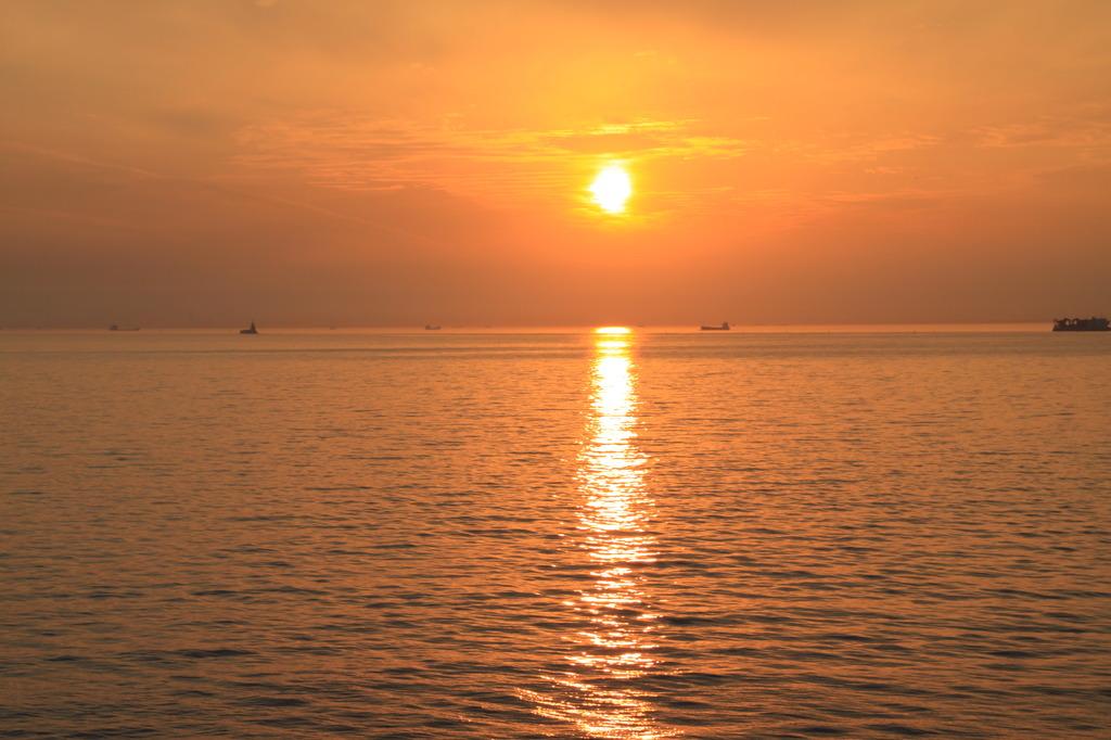 夕日・検見川海岸