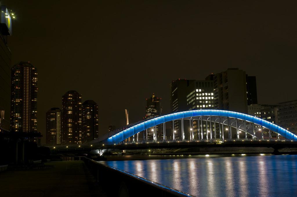 永代橋とリバーシティ