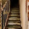 朽ちゆく階段